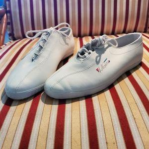 La Gear Tennis Shoes | Poshmark